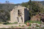 Maison en ruines à proximité