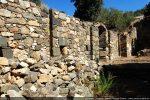 Intérieur du mur nord scandé par des pilastres (même disposition au sud)