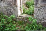 Seuil de la porte sud et marche
