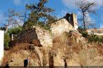 Mur sud de la basilique et soubassement des piliers (nef sud)
