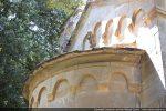 Moulure en cordelière de l'abside et arcature