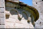 Arcature et corniche de l'abside