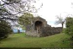 Angle nord-ouest (mur nord sert de mur de soutènement)