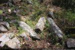 Quelques dalles importantes gisant au sol