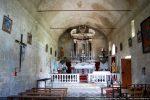 Intérieur vers l'abside murée