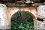 Porte sud: crépi recouvrant la maçonnerie