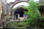 Vue intérieure vers l'abside