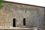 La restauration fait superbement apparaître l'arcature du 9e siècle, la plus ancienne de Corse