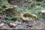 Grosse colonne centrale et cupule réutilisée à la fin du 11e siècle comme fond de la piscine baptismale