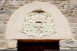 Blason papal: tiare, clés de Saint Pierre et croix pastorale (18e siècle)