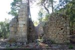 Côté est: présence dans l'angle sud-est d'un campanile roman (fin du 11e siècle)