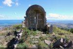 Vue de la nef vers l'abside