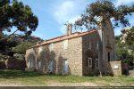 Vue générale de l'ermitage et du sanctuaire