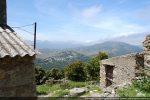 Situation de la chapelle dominant la vallée de l'Ostriconi