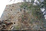 La Casa, se présente comme une tour et fut habitée par le comte de Polverello au 12e siècle