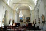 Plusieurs chapelles latérales ont été aménagées le long des murs