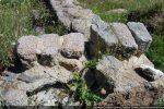 Claveaux provenant de l'arc absidial du baptistère du Haut Moyen Age