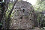 Abside:  construite au 7e siècle et surélevée au 10e siècle pour G. Moracchini-Mazel; édifiée au 12e siècle pour  R. Coroneo