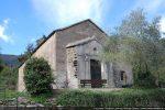L'abside a été raccourcie et transformée en portail d'entrée