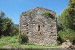 Côté est percé d'une petite fenêtre;  datation du 7e siècle (G. Moracchini)