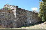 Mur nord avec traces de constructions à des époques différentes notamment au 11e siècle