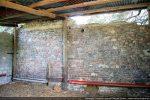 Mur nord: aujourd'hui partie intérieure du hangar, jadis, mur extérieur de l'église
