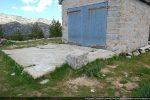 Dalle en béton prolongeant la chapelle; dimensions de la chapelle d'origine (?)