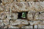 Trou de charpente sur toute la profondeur du mur (trou traversant)