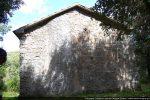 Mur ouest en partie recouvert de crépi