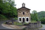 La chapelle Saint Pancrace est logée dans une boucle de la D 46