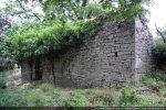 Angle nord-ouest et mur nord conservé partiellement sur toute sa hauteur