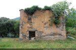 Mur est : plus d'abside mais un mur plat