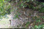 Mur sud composé de petites pierres rectangulaires régulièrement disposées (vers le 10e siècle)