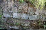 Appareillage de pierres bien taillées de couleurs différentes liées au mortier de chaux