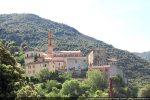 Le village d'Omessa et, au centre, l'église Saint André