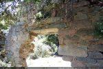 Porte occidentale : les longues dalles tiennent encore comme par miracle