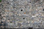 Le mur nord est maçonné avec un mélange de chaux grasse et de sable de rivière, ce qui le rend très résistant