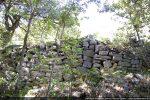 Mur de terrasse reconstruite pour stabiliser le terrain (est)