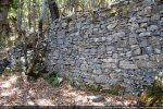 Mur de soutènement des jardins environnants