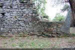 Mur nord et pierre d'angle