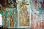 Saint Jean Baptiste; le programme iconographique couvre l'ensemble des deux absides mais d'une manière très équilibrée