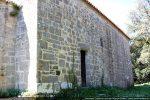 Côté nord et petite porte avec un linteau simple