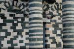 Jeu de polychromie: vert de la serpentine du Bevinco, différentes tonalités de blanc du calcaire de Saint Florent