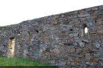 Deux petites fenêtres d'origine (10e siècle)