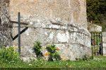 Soubassement mouluré (abside)