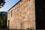 Mur nord avec une porte et une fenêtre