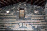 Mur occidental et baies donnant sur le clocher