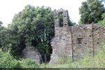 Mur sud et clocheton; la chapelle fut agrandie vers l'est au 18e siècle