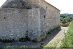 Abside et mur nord: grande différence de matériaux et de technique de construction témoignant de deux périodes de construction