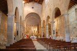 Intérieur de la cathédrale après la fête